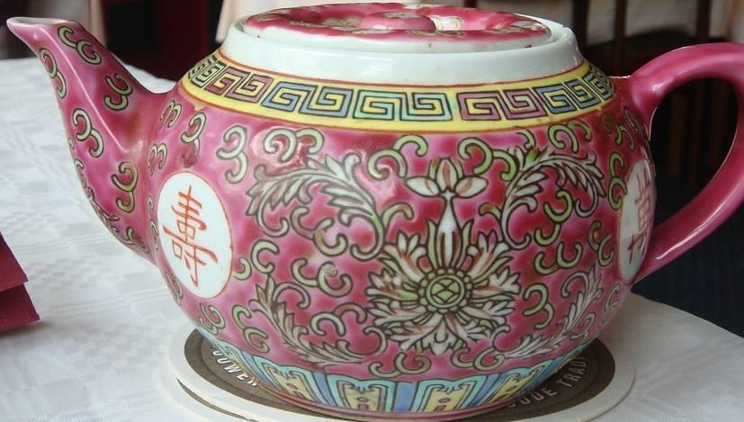 dzbanek z porcelany